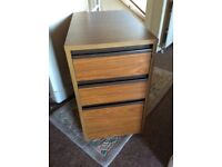 Small 3 drawer unit