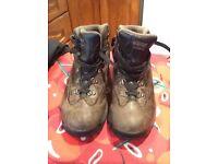 Walking boots boys