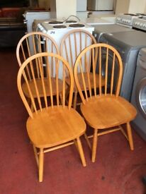 Four oak dinning chairs