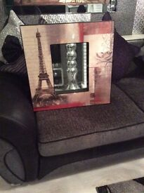 Beautiful mirror picture Eiffel Tower new condition