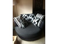 For sale round DFS chair perfect condition.