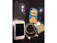 iPod touch 16gb 4th generation in original box with accessories