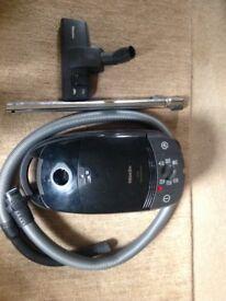 MIELE S571 VACUUM 300-1600watts Variable