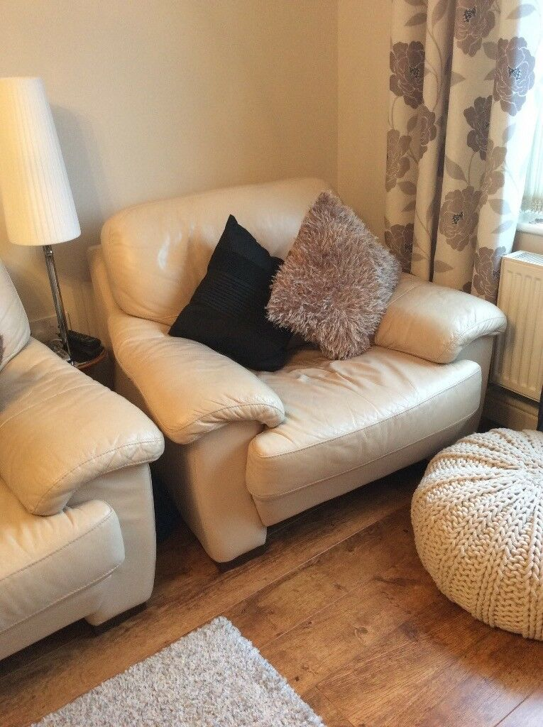 Cream Leather Dfs Three Piece Suite 3 Seater Sofa And X2