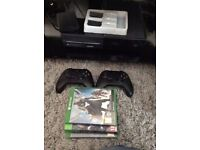 MUST GO! Xbox One console (black), 2 controllers + Games