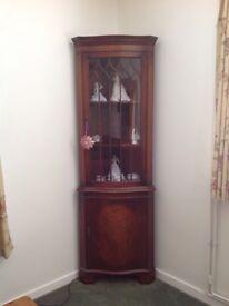 Hardwood corner display cupboard vgc