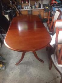 Mahogany Extending Dining Table and 6 chairs ( 2 Carvers)