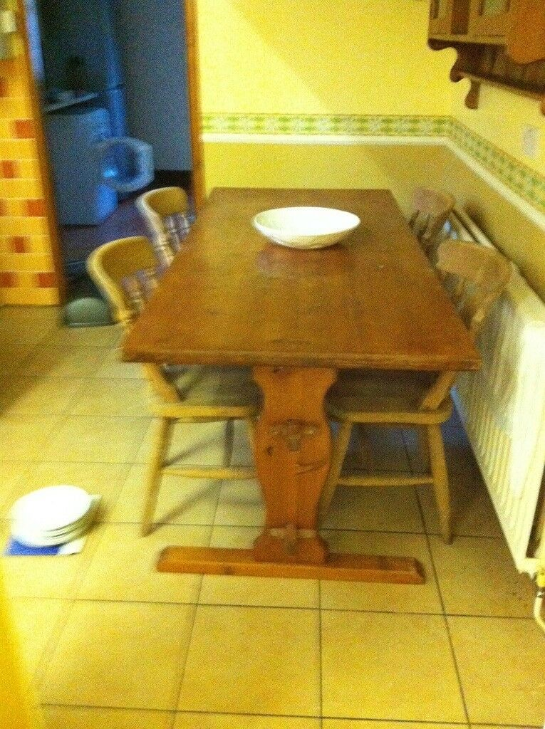 Large pine table and chairs BARGAIN!!