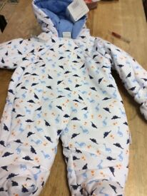 Baby snow suit 0 to3 months £8 brand new with tag