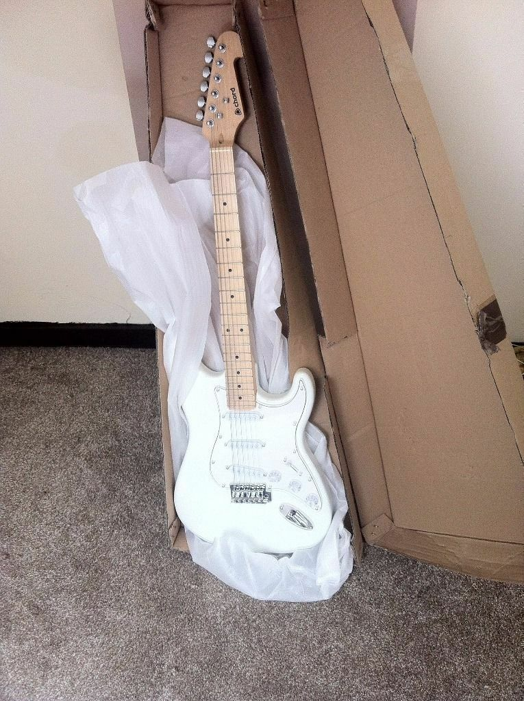 Chord Cal63 M Electric Guitar Brand New In Box In Plymouth