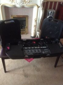 Peavey Escort 2000 portable PA system with speakers