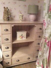 Barker and Stonehouse Cabinet