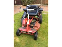 Snapper ride on mower 28 inch cut with a Honda engine