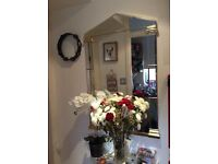 Beautiful mirror - ideal for under console table