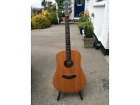 Taylor Big Baby acoustic guitar in excellent condition