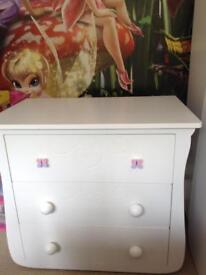 Child's wardrobe & drawer set