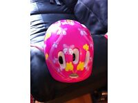 Little Girls bicycle helmet and 2 elbow pads