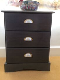 Chest of 3 drawers. Finely painted cabinet & vintage handles
