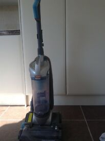 VAX vacuum cleaner - Floor2Floor. Good for cleaning away pet hair