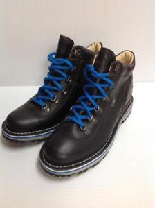 Merrell Women's Leather Waitsfield Waterproof Boots (SKU:XW1D9U)