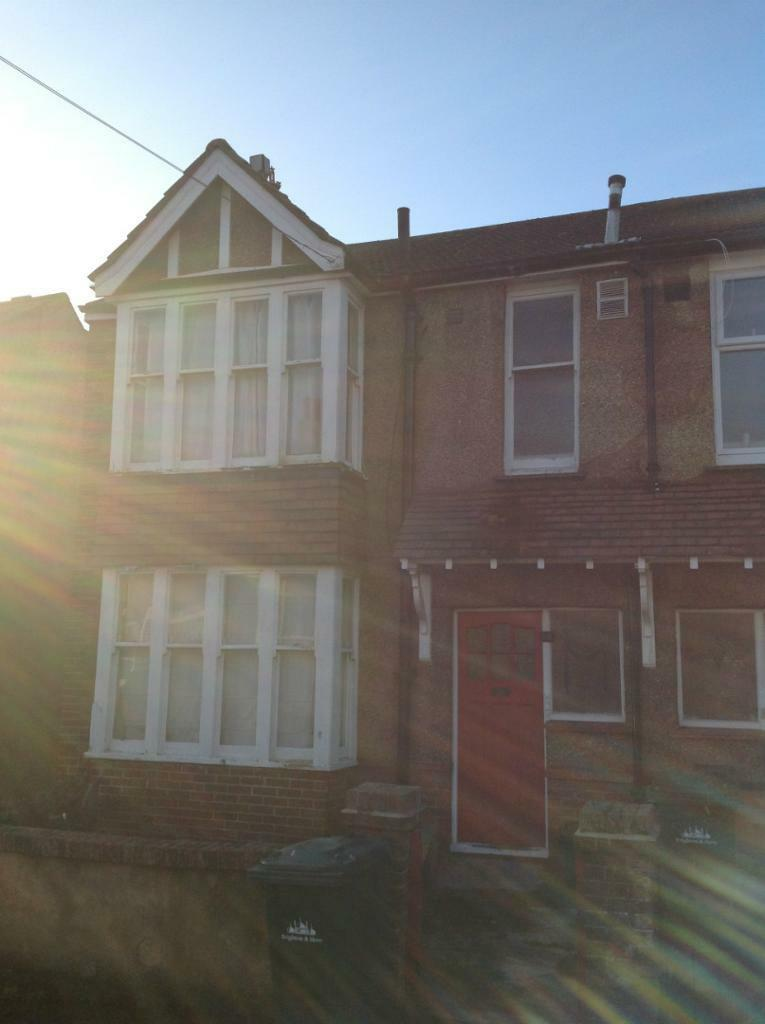7 BED STUDENT HOUSE WITH LARGE GARDEN IN HOLLINGDEAN AREA, Stanmer Villas (Ref:112)