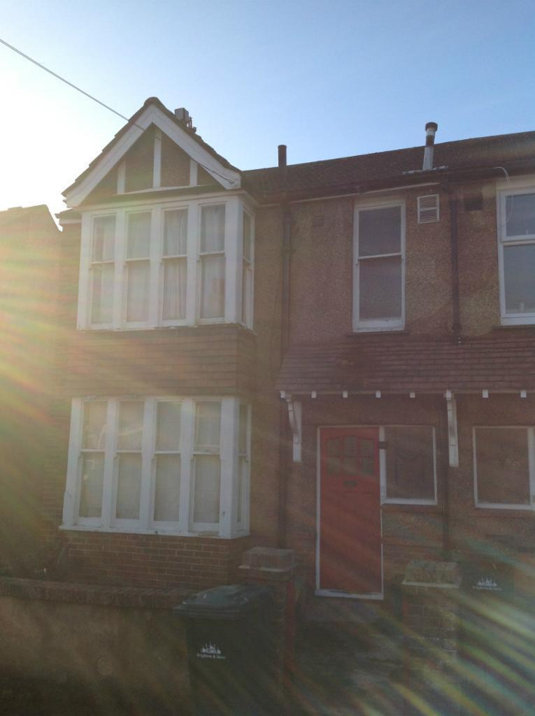 7 Bedroom Student Property, Hollingdean, Stanmer Villas (Ref:725)