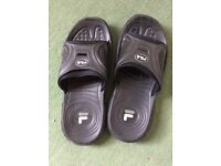 Fila Men's 8.5/43 Slippers