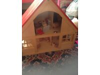 A big solid wood doll house in cheap price