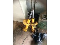 Pair of fiat uno struts