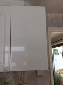 2 nearly new white kitchen wall cupboards