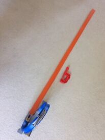 Hot Wheels loop and jump track with extras