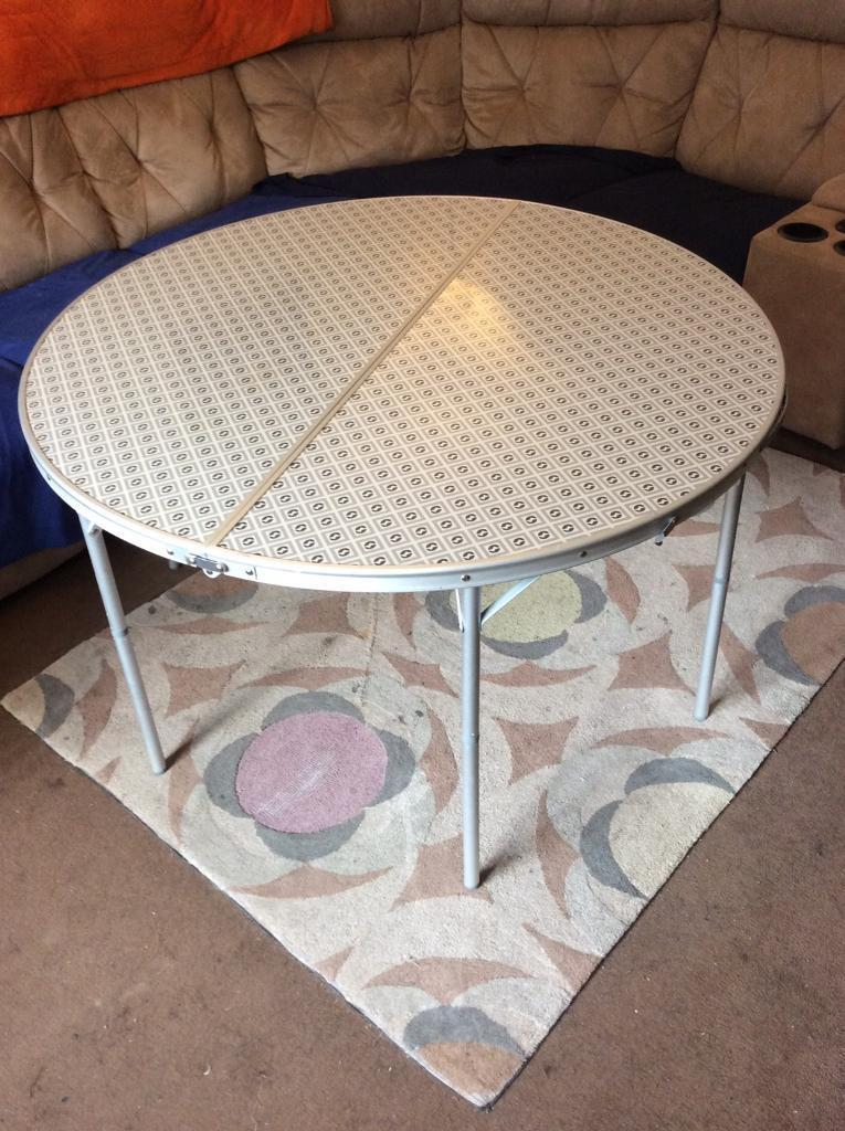 OUTWELL FREDERICTON ROUND CAMPING TABLE