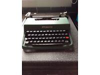 Olivetti Lettera 32 portable typwriter