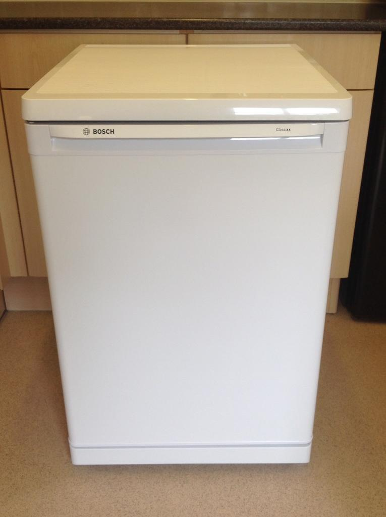 New Bosch fridgein Kidderminster, WorcestershireGumtree - Bosh fridge with freezer box energy rated A frost free height 85cm width 55cm depth 60cm only used a couple of times as a spare in utility as new condition excellent working order house move forces sale