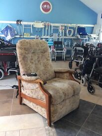 Quality Sherborne Riser Recliner / Rise Reclining Armchair / Chair Mobility / Disability Aid