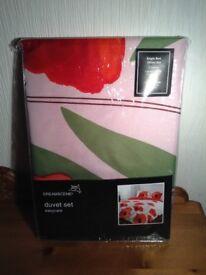 Dream scene easy care Single duvet set, red poppy design