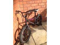 Islabike Cnoc 16 silver/purple starter bike for age 4+/104cm
