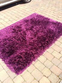 Rug, shaggy pink