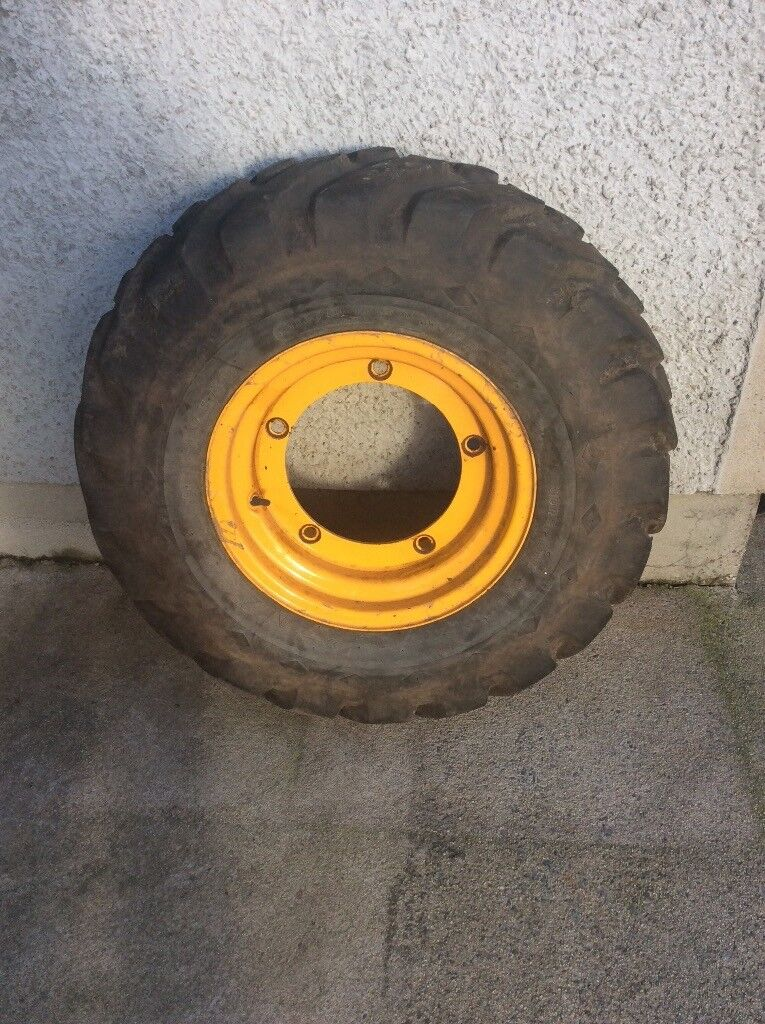 JCB 3cx front digger wheel