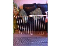 Lindam extendeble baby gate (see description) £5