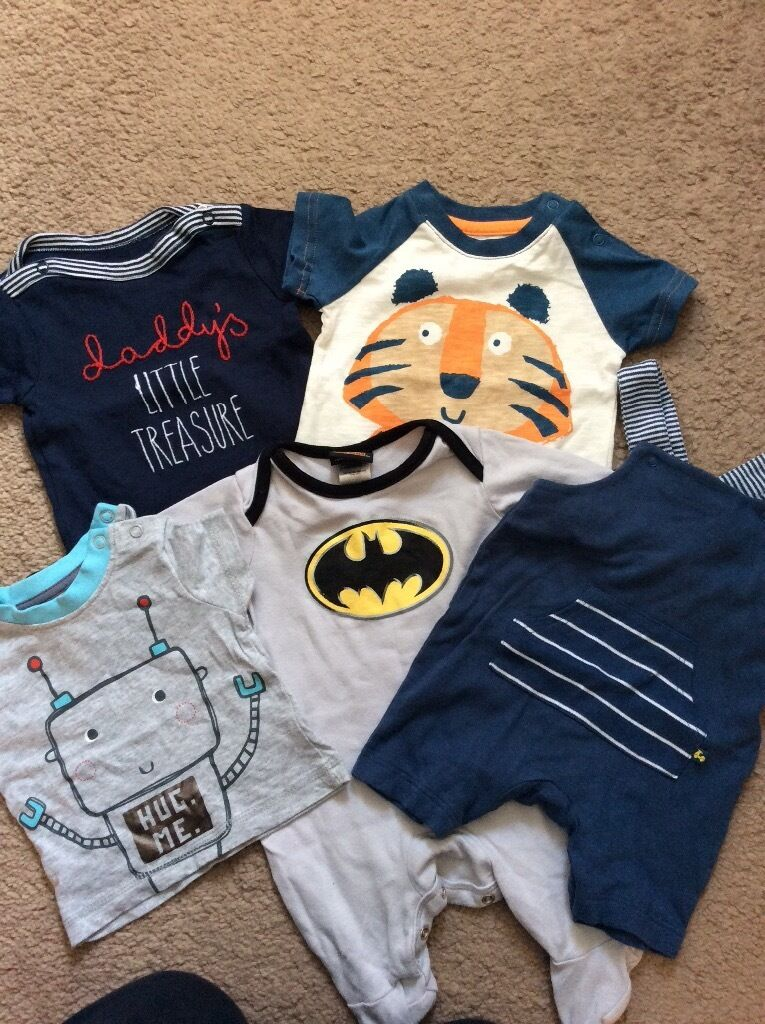 Boys baby clothes bundles, includes vests/baby grows/clothesin Thorpe Hesley, South YorkshireGumtree - Various unisex vests and boys baby grows/clothes, 0 3 months. All excellent condition, only worn once or twice, washed. £5 per bundle