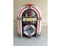 Mini Jukebox CD Player, AM/FM Radio with USB socket and LED lights