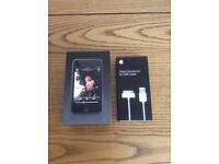 Apple iPod touch 1st Generation Black (16 GB) Mint Condition