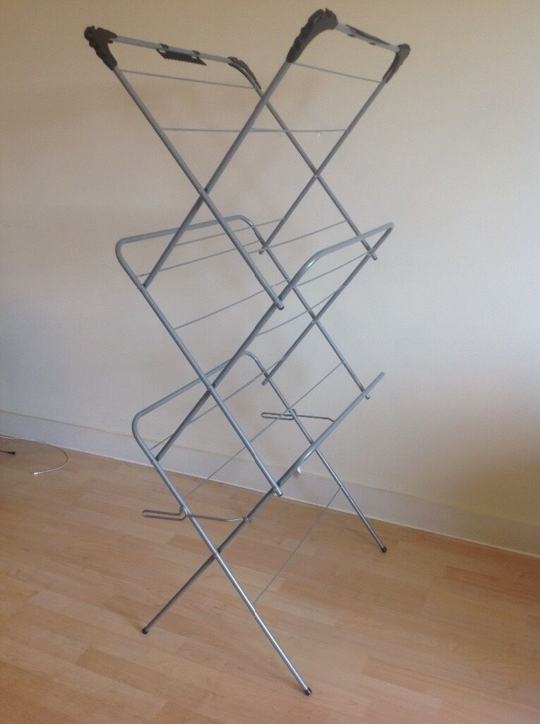 3 Tier Clothes Airerlike newin Basingstoke, HampshireGumtree - Clothes Airer like new. Collection from Near Basingstoke station on or before 06/05. Selling due to house clearance