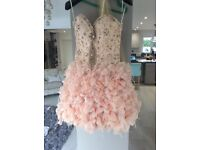 Stand out with this stunning prom dress size 8/10