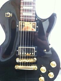 2011 Gibson Les Paul Studio Guitar Ebony with Gold hardware