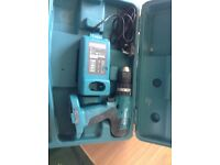 Makita 18v screwgun,charger,and carry case only used a few times