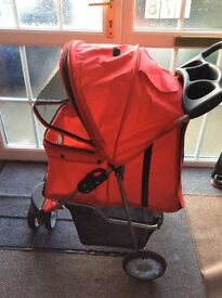 Dog / pet pushchair