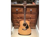 Yamaha acoustic guitar, great condition!
