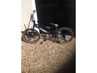 Girls BMX rad outcast bike
